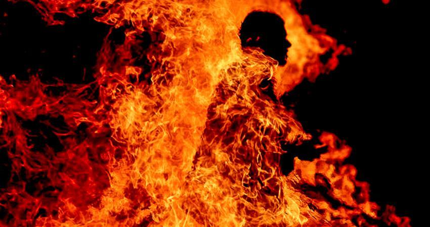 أحرق نفسه احتجاجاً على الأقساط