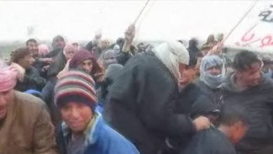 "Photo of أهالي دير الزور والرقة يحتجون على ""قسد"" ويطالبون بانسحاب أمريكا"