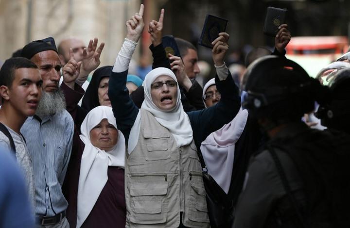 الاحتلال يعتدي على المرابطات في المسجد الأقصى