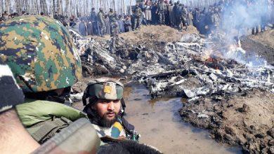 Photo of باكستان تسقط طائرتين هنديتين وتنشر فيديو لطيار هندي تم أسره