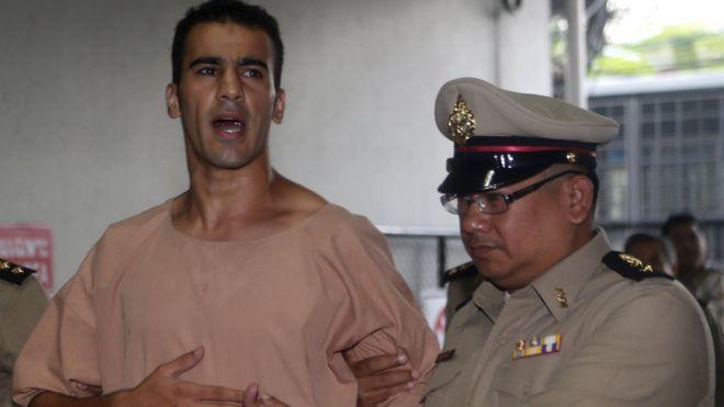 لاعب المنتخب البحريني السابق