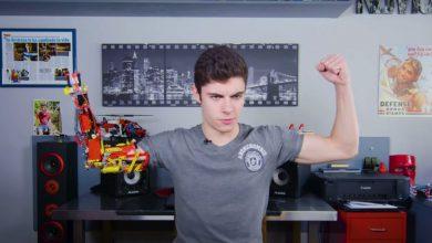 Photo of شاب يصنع لنفسه ذراعاً آلية من مكعبات الليجو