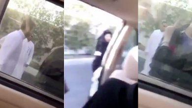 Photo of سعوديون يتحرّشون بفتيات في وضح النهار.. والشرطة تتدخل وتعتقلهم (فيديو)