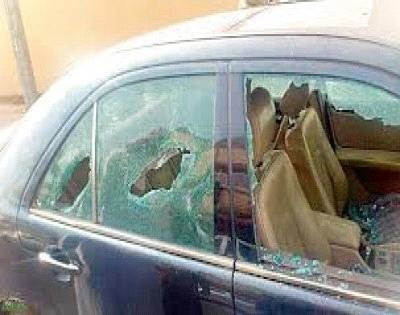 شباب يكسرون نوافذ سيارات لبنانية في دمشق