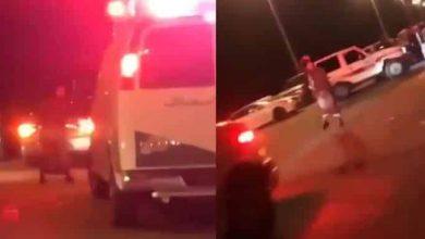 Photo of فيديو تريند..شاب سعودي يرقص أمام سيارة إسعاف لمنعها من العبور
