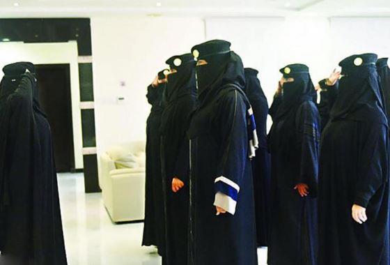 """شروط التسجيل للعنصر النسائي برتبة """"جندي"""""""