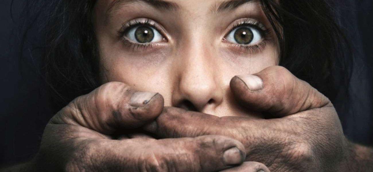 مصري يقتل ابنته بالتعذيب