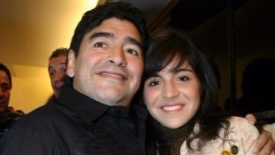 Photo of أصبح لديها ٣ إخوة جدد.. ابنة مارادونا تعلّق بطريقة طريفة على اعتراف والدها بثلاثة أطفال من كوبا