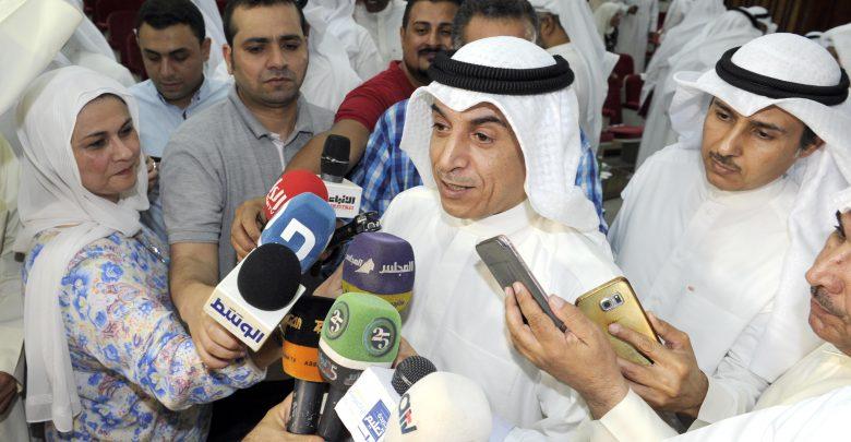 الكويت تفصل مئات المعلمين الوافدين ضمن سياسة الإحلال