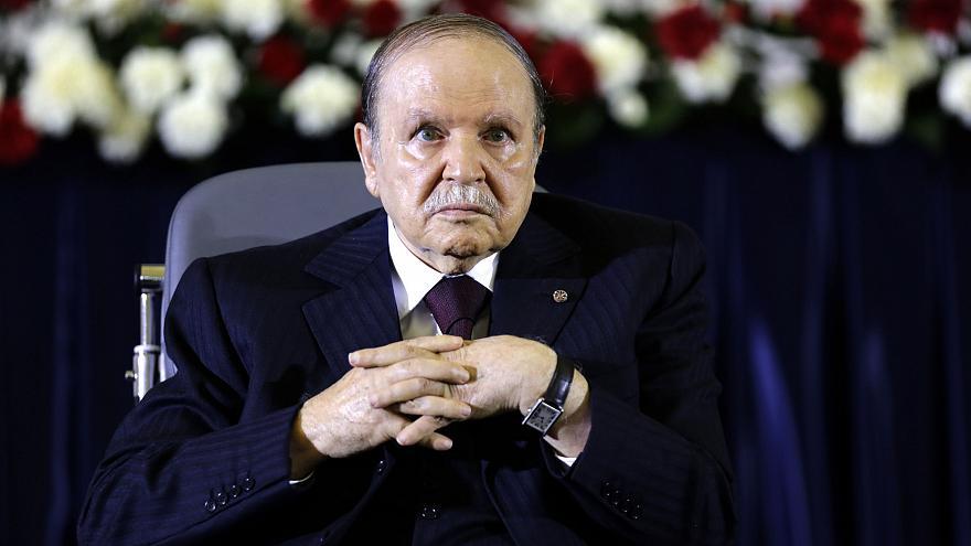 قرارات بوتفليقة تناقض الدستور الجزائري