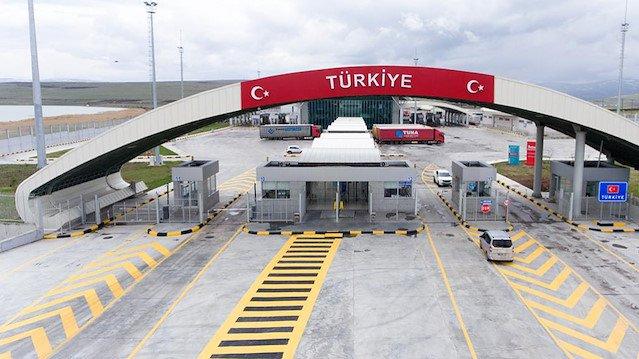 Photo of تركيا تفتتح رسمياً معبر غصن الزيتون مع عفرين