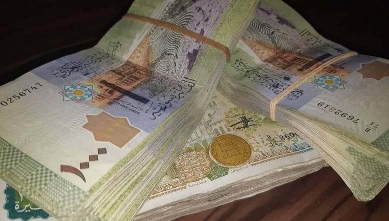 Photo of أسعار الليرتان السورية والتركية أمام العملات الأجنبية
