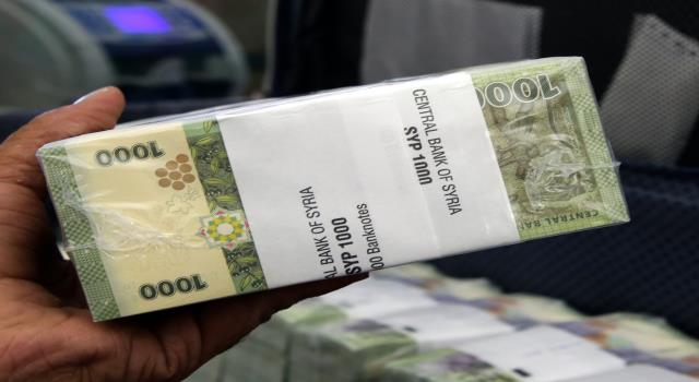 Photo of الليرة السورية تحافظ على سعرها والتركية ترتفع