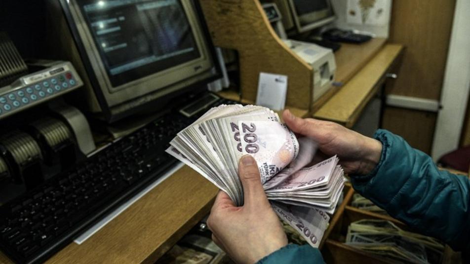 Photo of سعر الليرتان السورية والتركية أمام العملات الأجنبية