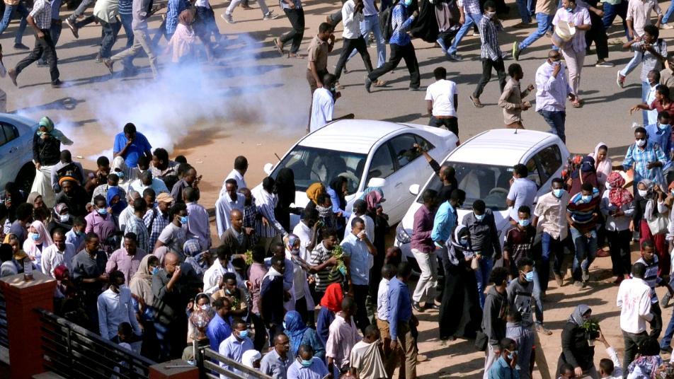 Photo of المظاهرة الأكبر في الخرطوم تطالب برحيل البشير