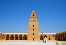 مؤذن يؤذن المغرب قبل موعده