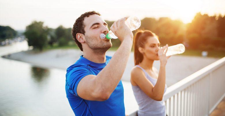 متى يجب شرب الماء