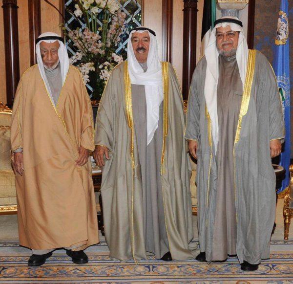 صورة الداعية السميط مع أمير الكويت