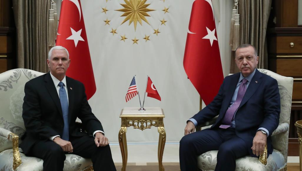 الرئيس أردوغان ونائب الرئيس الأمريكي بنس