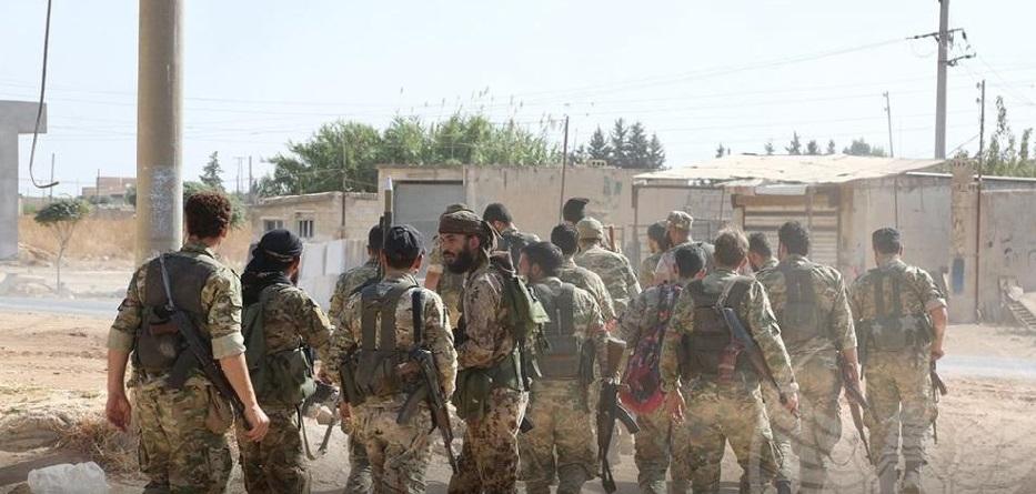 عناصر من الجيش الوطني في محيط مدينة رأس العين