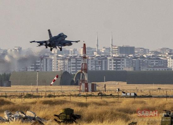 طائرة تركية تقلع من قاعدة إنجرليك