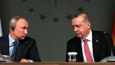 "Photo of مكالمة واحدة وروايتان.. ملخص مختـ.ـلف لمكالمة ""بوتين أردوغان"".. باحث يوضح: ماذا يعني ذلك؟.. وكاتب: أمريكا نسجت فـ.ـخاً لتركيا عنوانه ""الدعم العاطفي"""