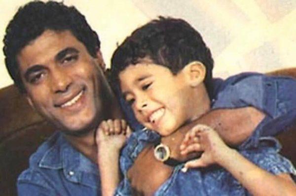 هيثم زكي مع والده الراحل أحمد زكي