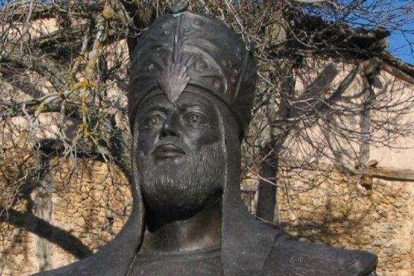 تمثال للمنصور محمد بن أبي عامر في إسبانيا حالياً