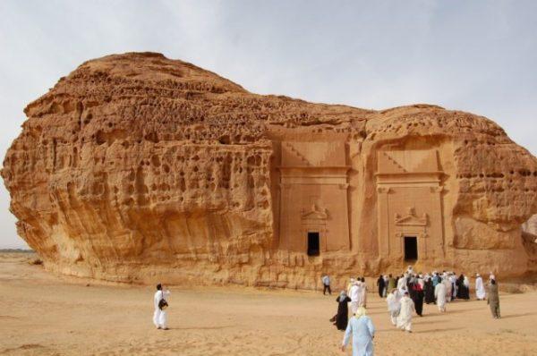 صورة مدائن صالح في المملكة العربية السعودية وهو مكان خروج الناقة