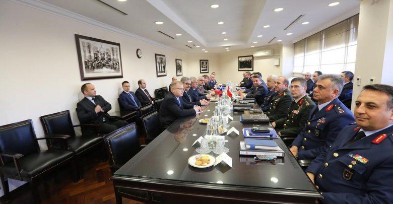 """Photo of مصادر تركية مطلعة تكشف عن اتفاق جديد مع الروس خلال مباحثات أنقرة.. وصحيفة: واشنطن وحلف """"الناتو"""" يفكران في تصعـ.ـيد عسكـ.ـري دعماً لتركيا"""