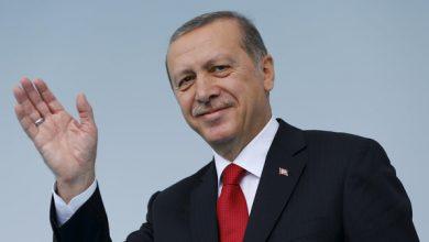 """Photo of يحمله في كل اجتماعاته الهامة.. وسائل إعلام تروي قصة """"الدفتر الأسود"""" مع أردوغان (شاهد)"""
