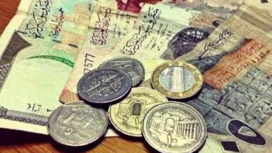 Photo of بعد تحسن طفيف.. الليرة السورية تهبط مجدداً والذهب يرتفع رغم انخفاضه عالمياً