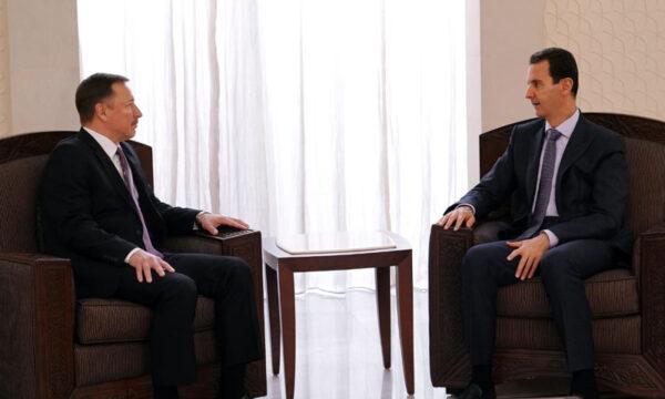 صورة استقبال بشار الأسد للمبعوث الروسي ألكسندر يفيموف أثناء اعتماده كسفير لروسيا لدى سوريا عام 2019