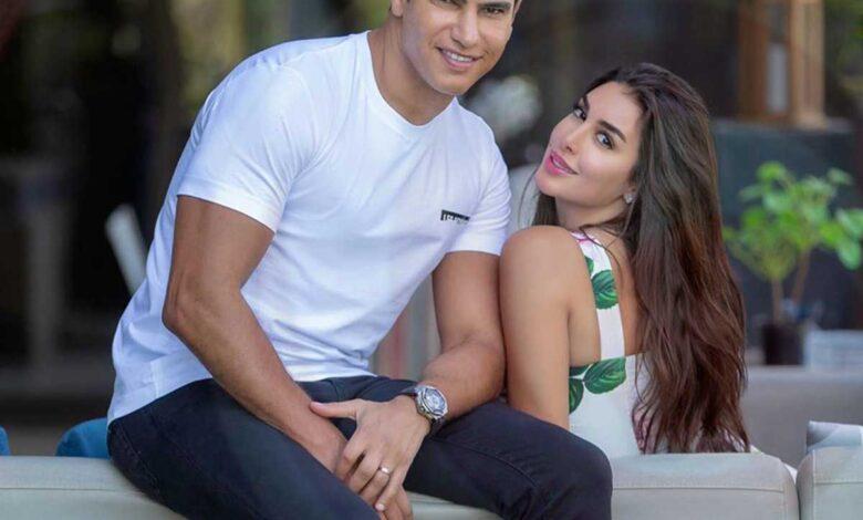Photo of ياسمين صبري وأحمد أبو هشيمة: صور للثنائي على كورنيش الاسكندرية وصورة لياسمين في مراهقتها