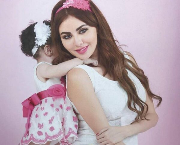مريم حسين وابنتها
