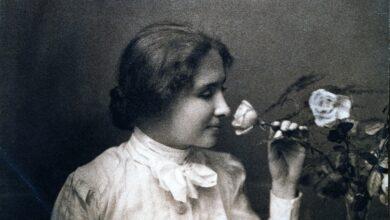 """Photo of اعتبروها """"معجزة إنسانية"""" وصنفت كأعظم شخصية بالقرن التاسع عشر.. هيلين كيلر: الأديبة الكفيفة التي حولت الظلام إلى نورٍ انتشر حول العالم، وزيارتها للوطن العربي"""