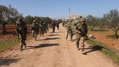 Photo of تطورات لافتة في إدلب.. تركيا تنشر تعزيزات ومنظومات للدفاع الجوي وتزيل سواتر ترابية على طريق إم4