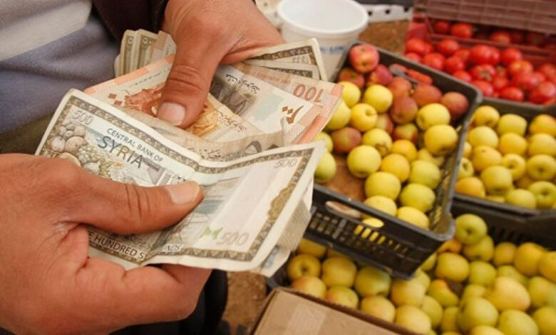 Photo of خلال أسبوع.. الليرة السورية تخسر أكثر من 55% من قيمتها وهذه آخر الأسعار