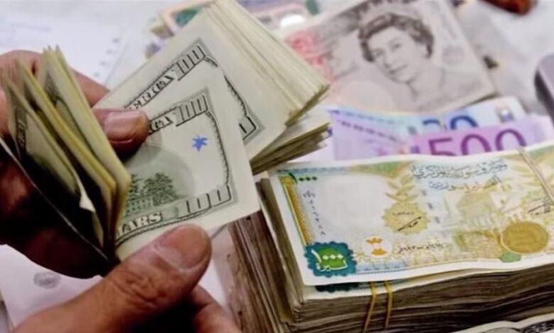 Photo of وسط ارتفاع الذهب عالمياً.. هذه آخر أسعار العملات الأجنبية مقابل الليرة السورية