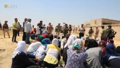 """Photo of مدنيون يبعدون دورية روسية ويدفعون أخرى للانسحاب شمال شرقي الحسكة """"شاهد"""""""