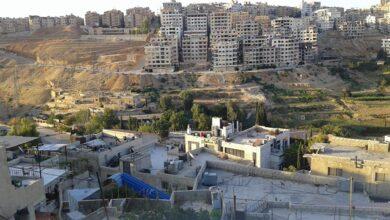 Photo of عبر حاويات القمامة.. نظام الأسد يحجر مناطق عدة جنوب سوريا بعد انتشار واسع لعدوى كورونا
