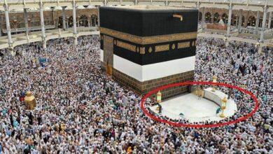 "Photo of تم بناؤها 5 مرات.. آخرها في عهد عبد الملك بن مروان.. ما لا تعرفه عن الكعبة و""حِجر اسماعيل ""الحطيم"" (صور)"