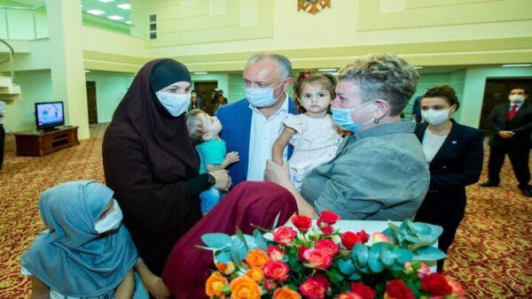 العائلة المولدوفية بعد تحريرها من قبل تركيا - تويتر