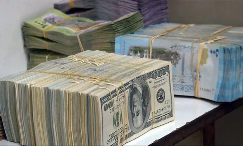 Photo of الليرة السورية ترتفع بنسبة أكثر من 35 في المائة مقابل الدولار والأسعار على حالها.. ما الأسباب؟