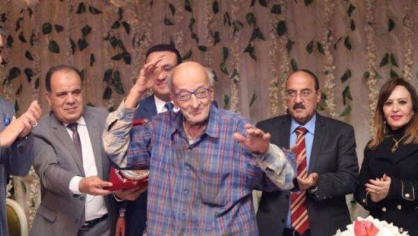 الدكتور محمد مشالي طبيب الغلابة في إحدى مناسبات تكريمه