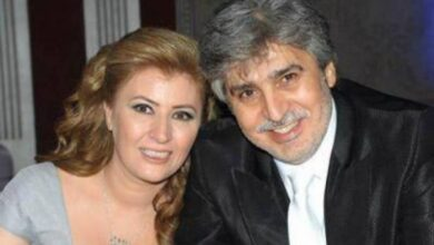 Photo of الكاتبة عنود الخالد إلى جانب زوجها الفنان عباس النوري في كواليس حارة القبة (صور)