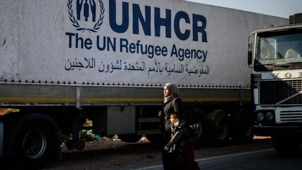 مساعدات إنسانية عبر الحدود - وكالات