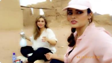 Photo of حائل. هيفاء الطويلعي تنشر فيديو من أمام قصر حاتم الطائي رفقة مشاعل الجلعود (شاهد)