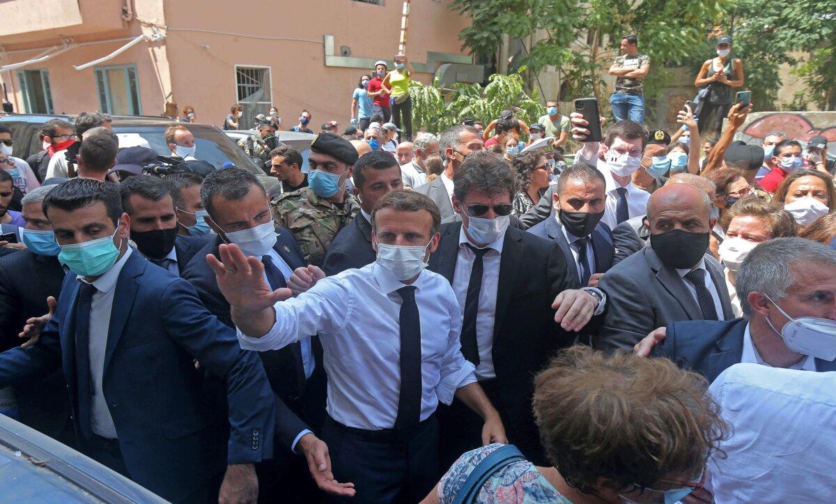 إيمانويل ماكرون في بيروت - مواقع التواصل