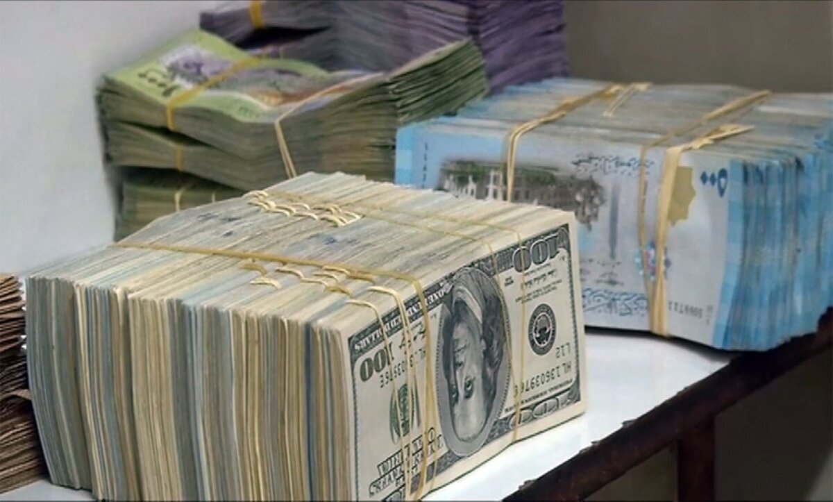 الدولار والليرة - تعبيرية